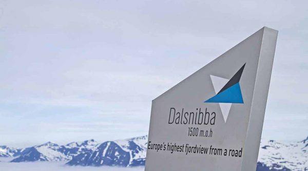 Geiranger Skywalk sur le Mont Dalsnibba, le plus haut fjordview d'Europe depuis une route