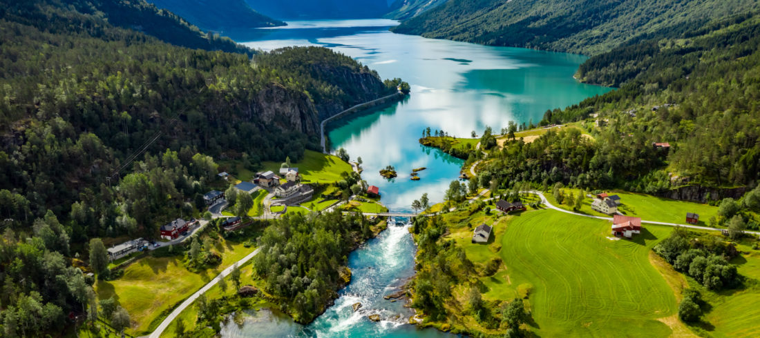 A birds-eye view over the beautiful Lodalen valley and Lovatnet.